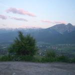 krajobraz z górami w tle